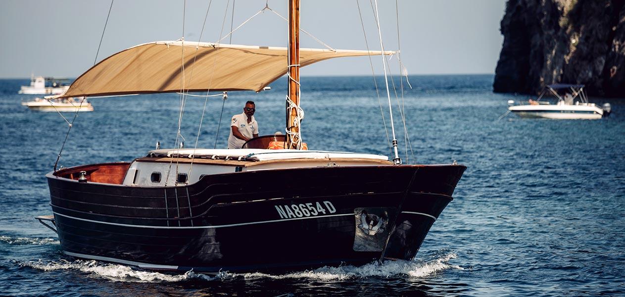 Giro di Procida in barca con bagno con barca Manida